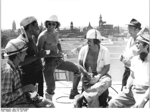 Dresden, Bauarbeiter lachend, Arbeitspause